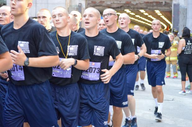 Freshmen Volunteer At Annual Tunnel2towers Race Suny